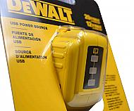 Dewalt-DCB090-12-volt-20-volt-MAX-USB-Power-Source-image-5